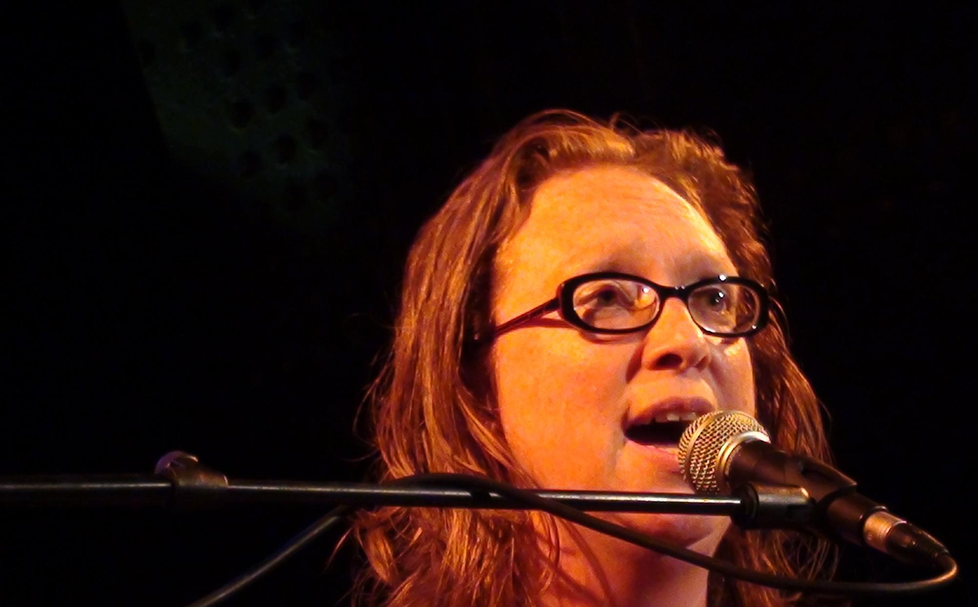 Debby zingt op de Zeester